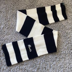 Roots striped scarf